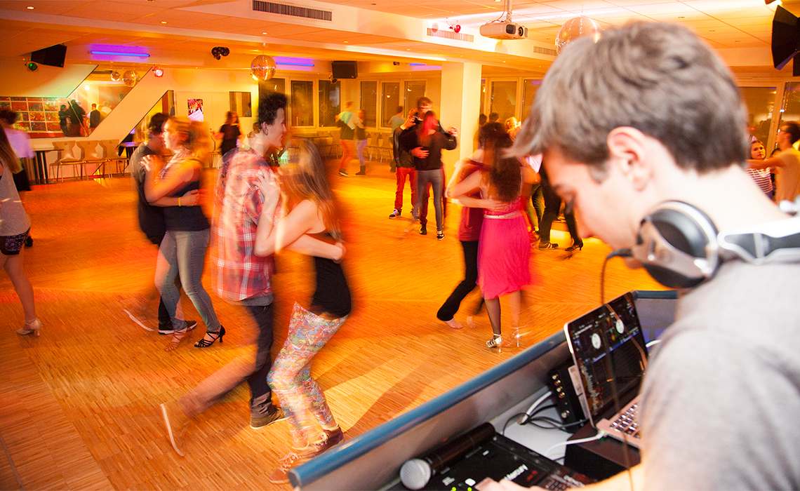 on location fotografie - Disco in der Tanzschule