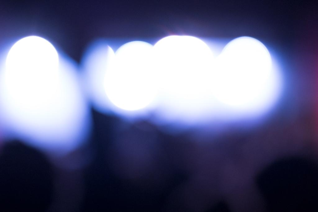 Bokehtestreihe bei Konzert - vierte Aufnahme - total unscharf