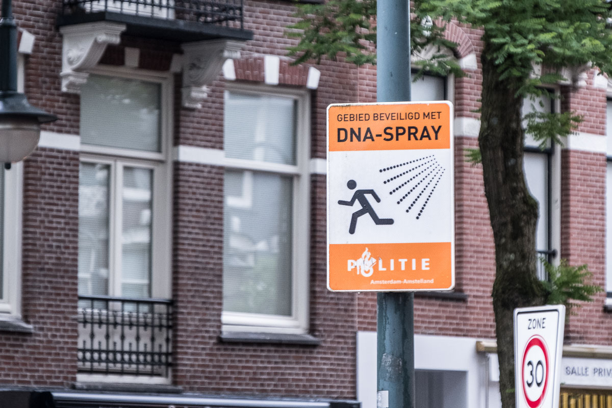 DNA Spray im Einsatz