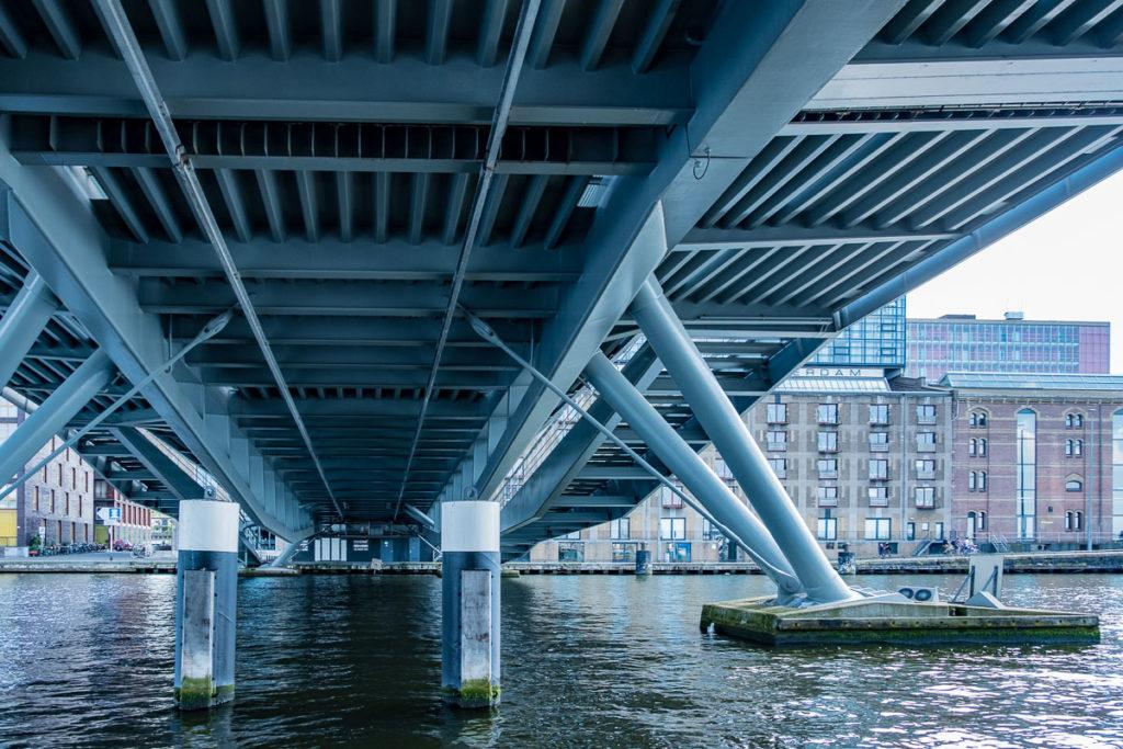 Brücke über IJ