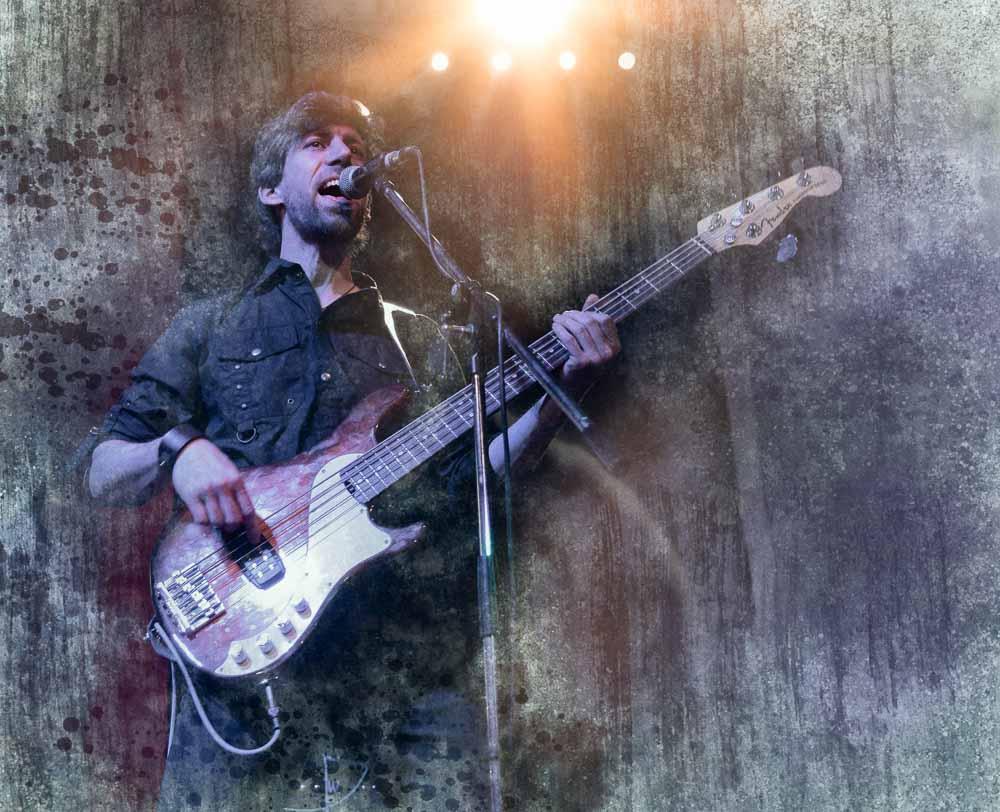 Musikerportraits - Bassist nach der Bildbearbeitung